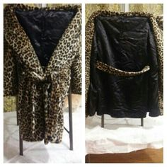? Vintage - Leopard Fur - Trench Coat ? ? Leopard Fur ? Double Breasted  ? Belted (optional/removable) ? Vintage  ? Trench   ? It is missing a button on the top. ? Also, there is no tag, so I'm not sure of the brand or actual size, I'm pretty sure it's a medium though. Jackets & Coats Trench Coats