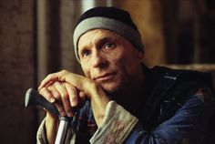 Ed Harris in The Hours directed by Stephen Daldry, screenplay by David Hare Tv Actors, Actors & Actresses, Glengarry Glen Ross, The Truman Show, The Right Stuff, Its A Mans World, The Secret Book, Music Film, Classic Movies