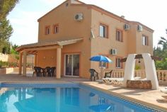 You can truly spring up your emotions at Ibiza luxury villa rental.