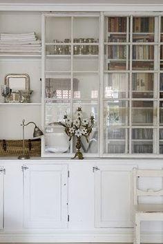 Decorare : this site has about a million ideas for interior designe.