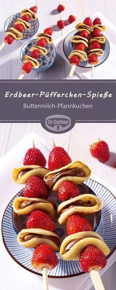 Erdbeer-Püfferchen-Spieße: Ein fruchtiger Snack aus Erdbeeren und Buttermilch-Pfannkuchen #erdbeerspieße #pfannkuchen #buttermilch