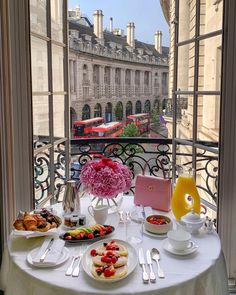 Wonders Of The World, Table Settings, Table Decorations, Breakfast, Instagram Posts, Home Decor, Morning Coffee, Decoration Home, Room Decor