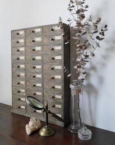ダイソーのウッドBOXを15個使用したドロワーです。 Daiso, Mosaic Tiles, Wine Rack, Diy And Crafts, Diy Projects, Storage, Interior, Handmade, Inspiration