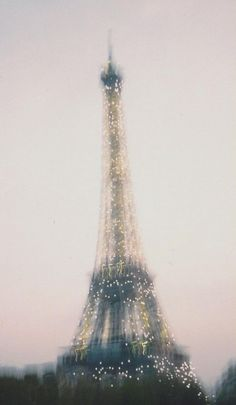 Rainy Day in Paris The Eiffel Tower: Always the same... yet always different! Eiffel a Day Project