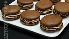 Negrese cu crema de mascarpone si nutella | Adygio Kitchen Nutella, Sweets Recipes, Cooking Recipes, Romanian Desserts, Pavlova, Biscotti, Sweet Treats, Yummy Food, Cookies