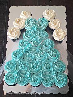 http://patyshibuya.com.br/category/frozen/ FESTA FROZEN ELSA ANNA OLAF cupcake_frozen_elsa_anna_04