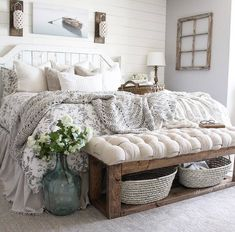 27 Beautiful For Farmhouse Bedroom Decor Ideas And Design. If you are looking for For Farmhouse Bedroom Decor Ideas And Design, You come to the right place. Below are the For Farmhouse Bedroom Decor . Farmhouse Style Bedrooms, Farmhouse Master Bedroom, Farmhouse Decor, Farm Bedroom, Rustic Bedrooms, Farmhouse Rugs, Bedroom Country, Rustic Bedding, Farmhouse Homes