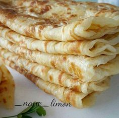 KATMER 2 su bardagi ilik sut 1 su bardagi ilik su 1 kilo un… Turkish Snacks, Turkish Recipes, Chapati Recipes, Trinidad Recipes, Snack Recipes, Cooking Recipes, Vegan Thanksgiving, Recipe Mix, Arabic Food