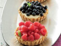 Lewer 12 tertjies, 8 cm in deursnee Bereiding: Tart Recipes, Sweets Recipes, Baking Recipes, Sweet Pie, Sweet Tarts, South African Desserts, Something Sweet, Food To Make, Cupcake Cakes