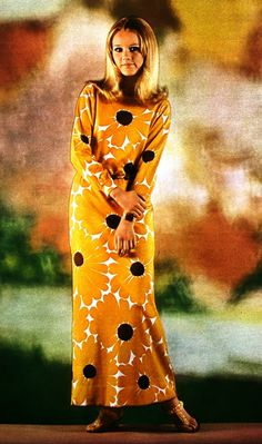 1968 Long printed bright yellow sundress by Rodier, photo Georges Dambier. Jours de France July 1968 Magdorable!