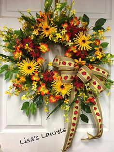 Spring Summer Wreath for Front Door, Floral Door Wreath, Spring Outdoor Wreath, Mothers Day, Bees