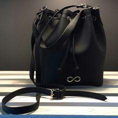 http://l4ove.com/index.php/en/shop/handbags/fl-valentine-bucket-in-rubber-detail