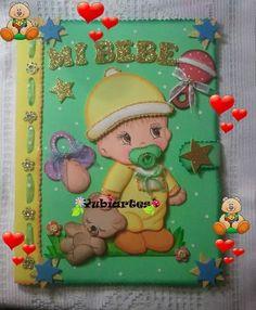(2) Carpetas Decoradas En Foami - Bs. 4.200,00 en MercadoLibre