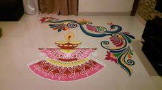 Rangoli Colours, Colorful Rangoli Designs, Rangoli Designs Diwali, Beautiful Rangoli Designs, Kolam Designs, Diwali Rangoli, Rangoli Borders, Rangoli Patterns, Rangoli Ideas