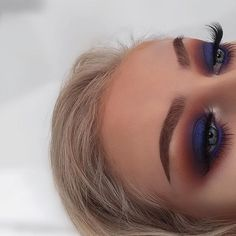#MorphexJaclynHill by far my fave palette @morphebrushes x @jaclynhill @bespoke__lashes Natasha lash @illamasqua Eye brow cake @benefitcosmeticsuk roller lash