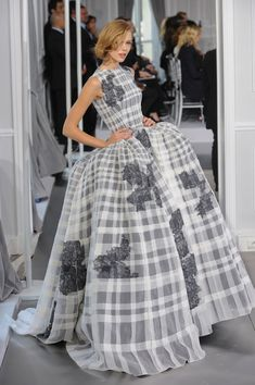 Christian Dior Spring 2012 Runway Pictures - StyleBistro (Spring 2012 - Source: ImaxTree)