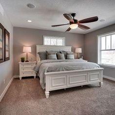 Stunning Small Master Bedroom Design Ideas 43