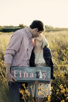 cute engagement pic