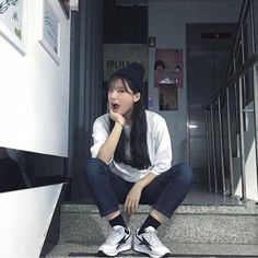 Find images and videos about girl, beautiful and korean on We Heart It - the app to get lost in what you love. Korean Ulzzang, Korean Girl, Asian Girl, Ulzzang Girl Fashion, Typical Girl, Uzzlang Girl, Girl Swag, Poses, Japan Fashion
