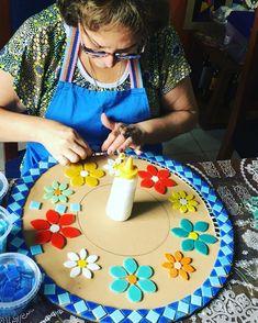 Mosaic Wall, Mosaic Glass, Mosaic Tiles, Glass Art, Mosaic Crafts, Mosaic Projects, Crochet Penguin, Mosaic Furniture, Mosaic Garden Art