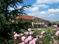 Albon Best Western Golf d'Albon France, Europe The 3-star Best Western Golf d'Albon offers comfort and convenience whether you're on business or holiday in Albon. The hotel has everything you need for a comfortable stay. Service-minded staff will welcome and guide you at the Best Western Golf d'Albon. Designed for comfort, selected guestrooms offer air conditioning, heating, desk, mini bar, balcony/terrace to ensure a restful night. The hotel's peaceful atmosphere extends to i...
