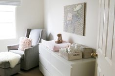 28UHeart Organizing: A Small Space Nursery DIY this reminds me of Savannah's nursery but in gray