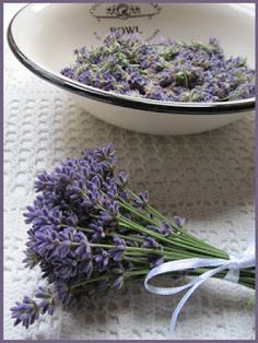 Med, Cabbage, Lavender, Vegetables, Syrup, Cabbages, Vegetable Recipes, Brussels Sprouts, Veggies