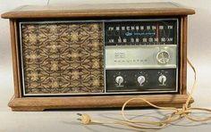 RCA Victor AM/FM Radio