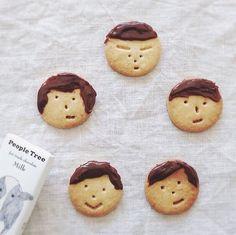 / Cute Snacks, Cute Food, Good Food, Kawaii Cookies, Cute Cookies, Food Art For Kids, Coffee Cookies, Food Humor, Different Recipes