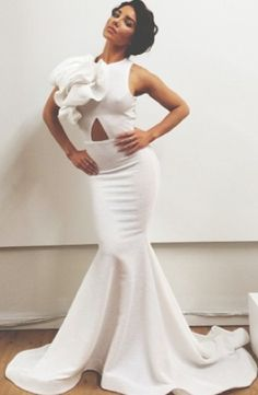 I like this as a wedding dress if the top part was changed around