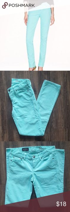 """NWOT J.CREW MATCHSTICK MINT CORDUROY PANTS NWOT J.Crew """"Matchstick"""" mint cords! Size 24 Regular  Perfect color for the spring & summer!!  5 pocket style, front zipper, button fly, belt loops  98% cotton/2% spandex Approx. measurements - 24 in. waist, 30 in. inseam, 8 in. rise 1st & last color are true mint color...other pictures were taken under true light, but for some reason seem brighter on phone camera J. Crew Pants Straight Leg"""