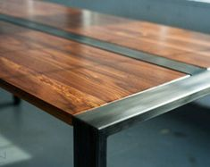 Walnut Desk or Dining Table Steel Frame Custom 'Zeeva' por MezWorks Walnut Dining Table, Wood Table, Steel Furniture, Industrial Furniture, Table Beton, Desk With Keyboard Tray, Custom Crates, Lake Tahoe, Wood And Metal
