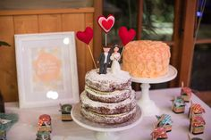 Very cool cake table set up
