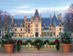 Outfit 5: Christmas at Biltmore Estate starts in November and is on my bucket list. I could definitely see myself exploring the many decorated rooms in my lovely layered, color blocked, Canvas outfit! #CanvasChinos