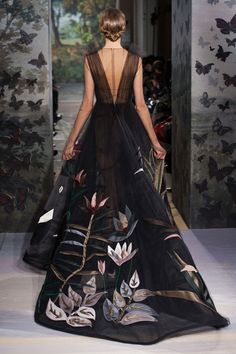 Valentino spring 2014 couture : Taking 2,000 hours to make.