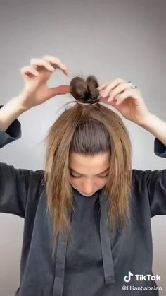 Hair Up Styles, Medium Hair Styles, Bun Hairstyles For Long Hair, Hairstyles For Working Out, Nurse Hairstyles, Wand Hairstyles, Hairstyles Videos, Braided Hairstyles Tutorials, Quick Hairstyles