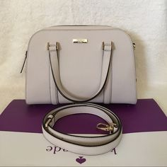 """Kate Spade Newbury Lane Felix Small ✨Brand New With Tag and Bag•Guarantee Authentic✨also avaiable in the color black•pls check out my closet if interested  ONLY $165 on Viinted  Size: small Leather with 14-karat gold hard ware 8.5x11.5x5 Double handle with 4"""" drop, comes with adjustable strap that can be worn on shoulder or cross-body Zip top closure with double pulls, flat bottom with protective feet Interior zip, cell phone and multifunction pockets  •Available in black as well• check out…"""