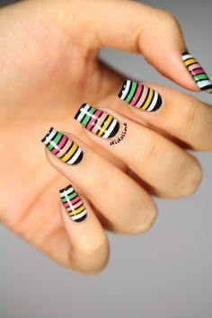 Fashion Friday - Inspiration Sonia Rykiel (+ Résultats Concours Anniversaire) ~ Didoline's Nails Nail Art Stripes, Striped Nails, Fabulous Nails, Gorgeous Nails, Hot Nails, Hair And Nails, Nail Art Inspiration, Nail Art Designs, Jolie Nail Art
