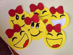 Smile Foam Crafts, Diy Arts And Crafts, Creative Crafts, Preschool Activities, Paper Crafts, Diy Crafts, Board Decoration, Class Decoration, School Decorations