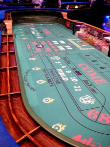 Craps throwing station