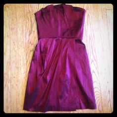 "Max & Cleo strapless burgundy dress So pretty! Material 60% polyester 35% nylon 5% spandex fully lined. Bust 34"" waist 28"" hips 40"" Max & Cleo Dresses Strapless"