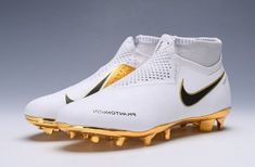 Nova Nike hypervenom phantom a modernidade ao seu alcance! Best Soccer Shoes, Best Soccer Cleats, Womens Soccer Cleats, Nike Cleats, Nike Soccer, Cool Football Boots, Soccer Boots, Football Shoes, American Football Cleats