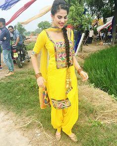 Yellow suit Kurta Pajama Punjabi, Punjabi Salwar Suits, Designer Punjabi Suits, Indian Salwar Kameez, Patiala, Punjabi Wedding Suit, Desi Wedding, Wedding Suits, Indian Suits