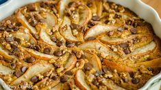 Bezlepkový hruškový koláč sčokoládou a ořechy Spikes, Paella, Cake, Ethnic Recipes, Food, Pie Cake, Pie, Studs, Riveting