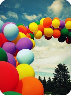[Literal] Rainbow of Balloons Bubble Balloons, Bubbles, Love Balloon, Balloon Arch, Colourful Balloons, World Of Color, Happy Colors, Over The Rainbow, Mobile Wallpaper