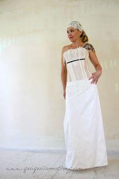 Robe bustier de mariée transparent dos nu.