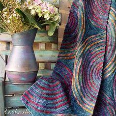 Ravelry: Aurora Borealis knitting pattern by Svetlana Gordon Loom Knitting, Knitting Stitches, Knitting Patterns, Crochet Patterns, Knitted Afghans, Knitted Blankets, I Cord, Shawl Patterns, How To Purl Knit
