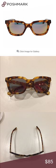 Selling this ❌FLASH SALE❌Marc Jacobs  rectangular sunglasses on Poshmark! My username is: chayarm. #shopmycloset #poshmark #fashion #shopping #style #forsale #Marc Jacobs #Accessories