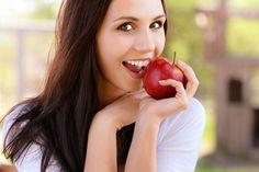 Zahnpflege-Trends 2014Tolle Haare und schöne Haut sind ohne ein gepflegtes Lächeln weniger als die Hälfte wert. Machen Sie das perfekte