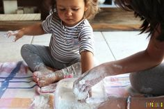 Experimento científico fácil: o que dissolve na água Girls Dresses, Flower Girl Dresses, Kids, Teaching Activities, Easy Science Experiments, States Of Matter, Kids Playing, Science Facts, Water